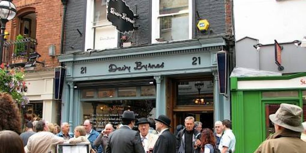 Bloomsday celebrations in Dublin pubs