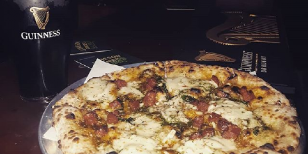 More dough for your dough. Pizza deals in pubs.