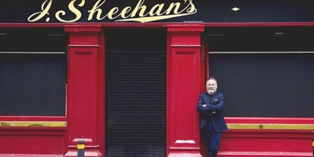 Front Door Portraits- An online exhibition showing shuttered pubs and the owners behind them.