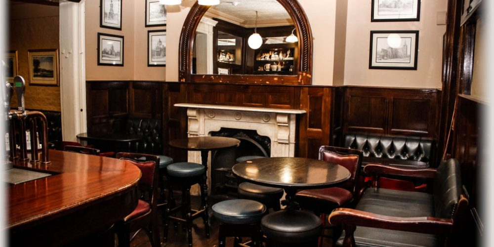 A traditional pub for a Christmas party: Doheny and Nesbitts